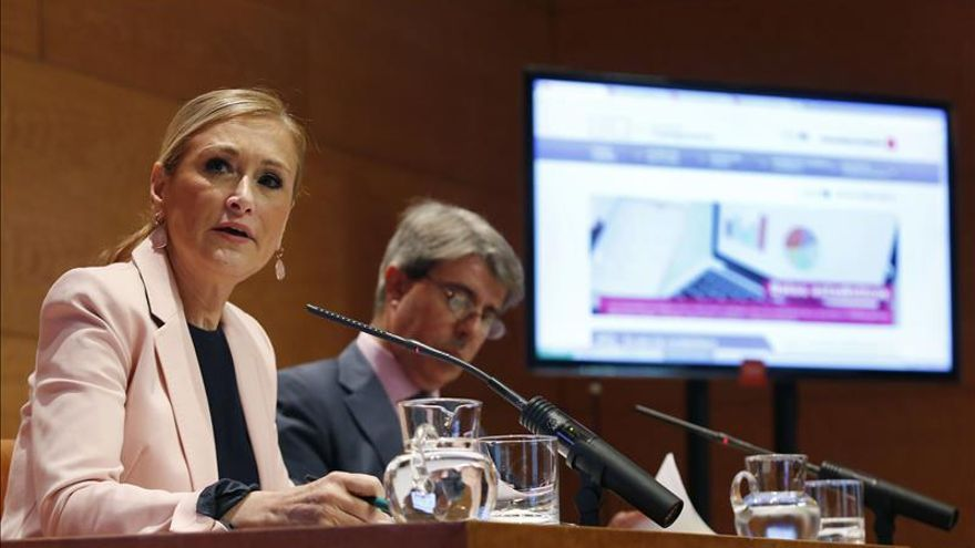 """Cifuentes lamenta el """"trato"""" distinto de C's a los gobiernos de Madrid y de Andalucía"""