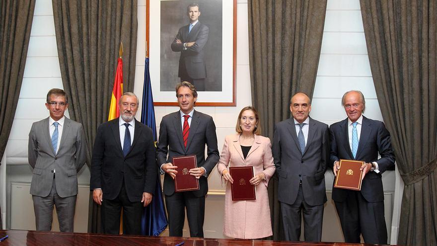 El Ayuntamiento y Fomento firman el protocolo para la liberación de los primeros espacios ferroviarios en Santander
