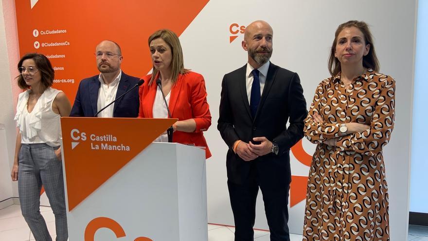 De izquierda a derecha Casandra Castillblanque, Alejandro Ruiz, Carmen Picazo, David Muñoz y Úrsula López