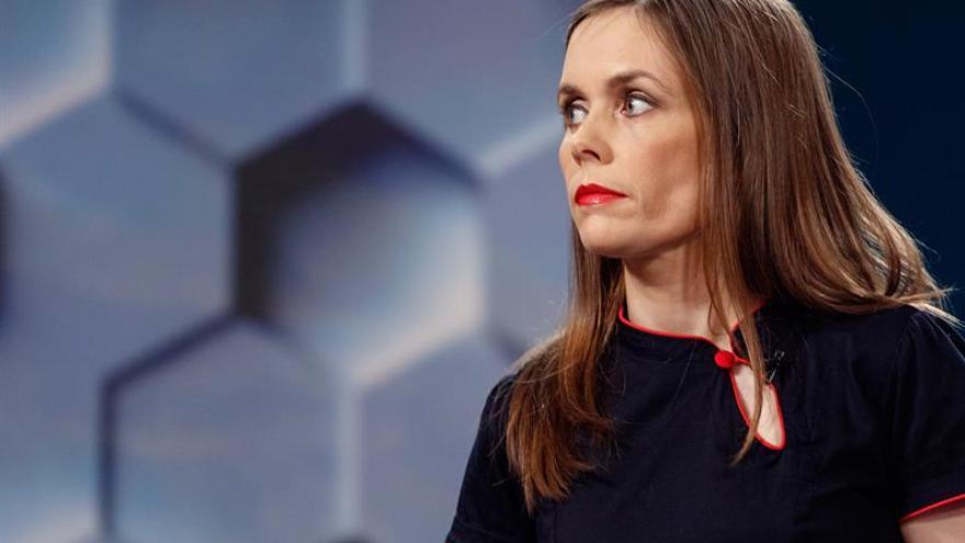 La líder rojiverde recibe encargo para formar una coalición de gobierno en Islandia