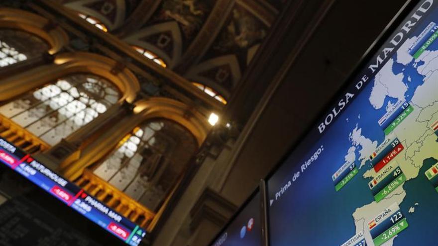 La prima de riesgo sube a 113 puntos en la apertura, a la espera del BCE