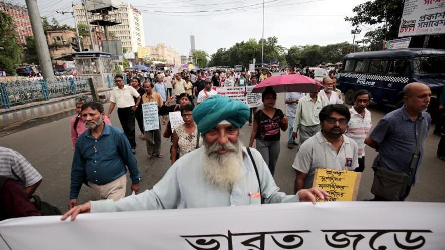 Arresto domiciliario para activistas indios sospechosos de vínculos maoístas