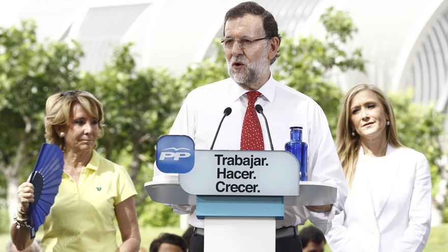 """Rajoy pide votar al PP en su carta de 'mailing' porque España ha cambiado aunque no se sienta aún """"en cada casa"""""""
