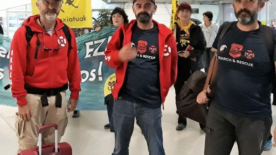 En la imagen, Jon García Andonegi con sus compañeros Iñigo Mijangos e Iñigo Gutierrez.