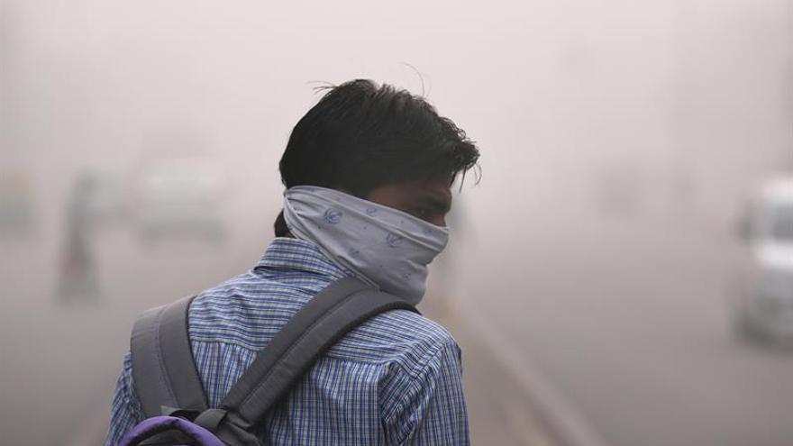 Niveles de polución del aire en Nueva Delhi siguen disparados por segundo día