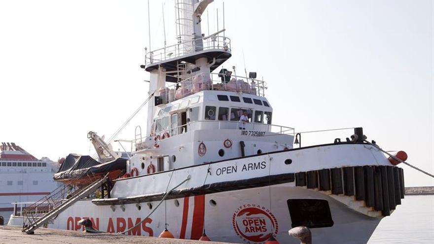 El barco de rescate de Open Arms llega a Motril, donde establecerá su base