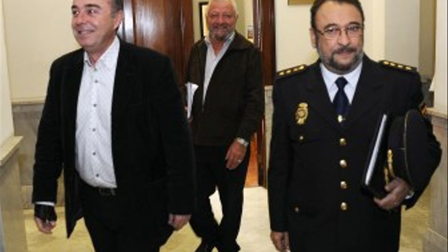 Miguel Zerolo acudió a la reunión de la Junta de Seguridad de la capital tinerfeña. (ACFI PRESS)