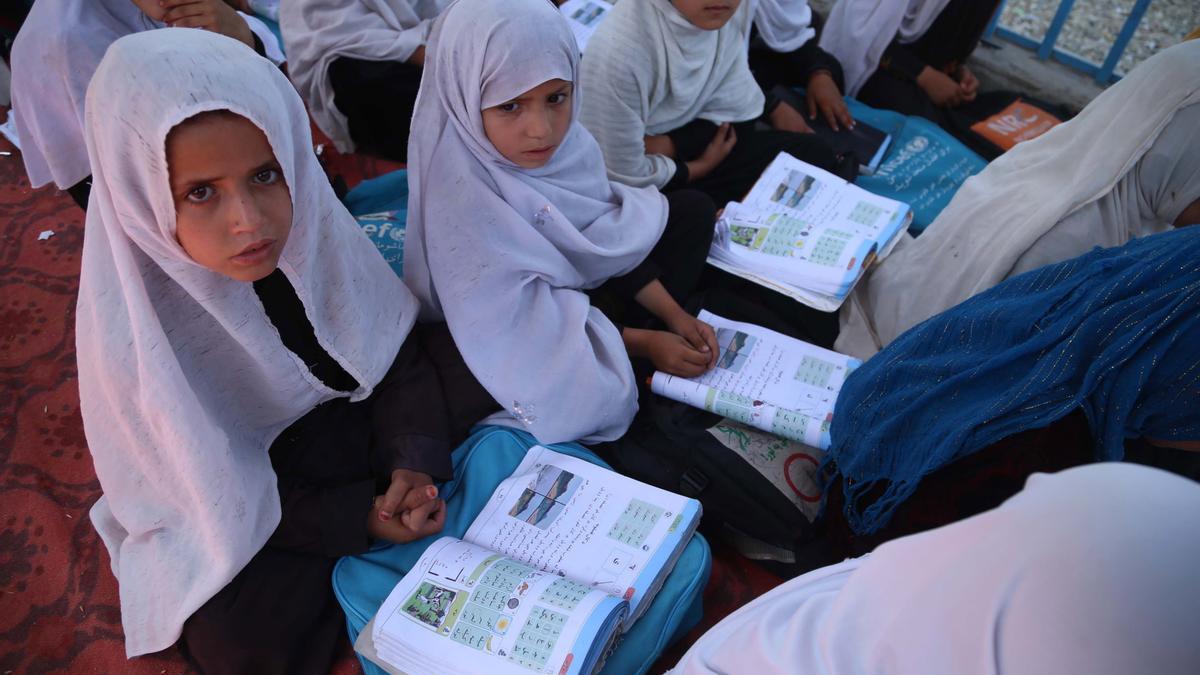 Niñas afganas en un colegio de la provincia de Nangarjar, Afghanistan, en mayo de 2021