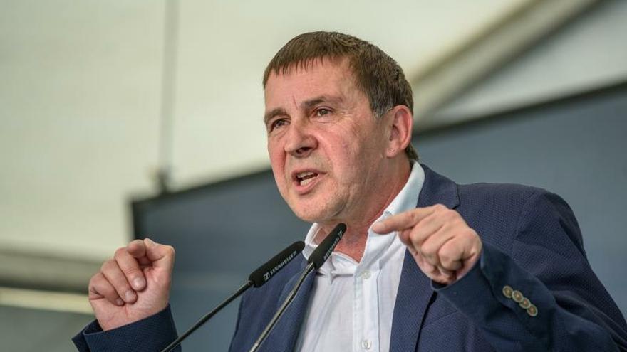 Otegi: EH Bildu quiere gobernar con luces largas para construir una república