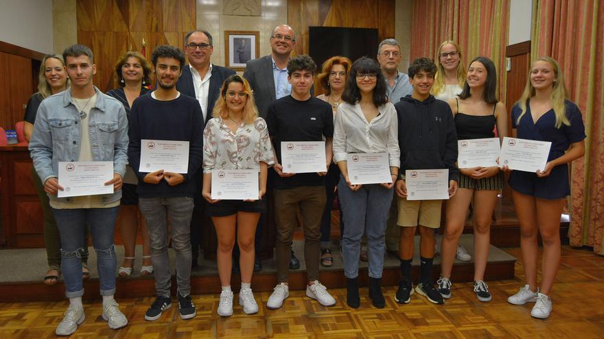 Los alumnos ganadores fueron recibidos en el Cabildo.