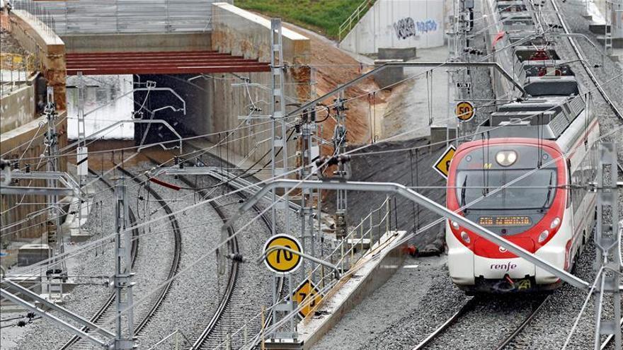 Una avería de dos trenes causa retrasos en 8 líneas de Cercanías y Regional Cataluña