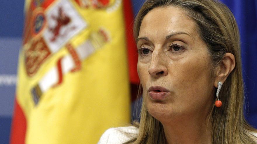 Pastor dice que ha adjudicado obras del AVE Madrid-Galicia por 1.745 millones