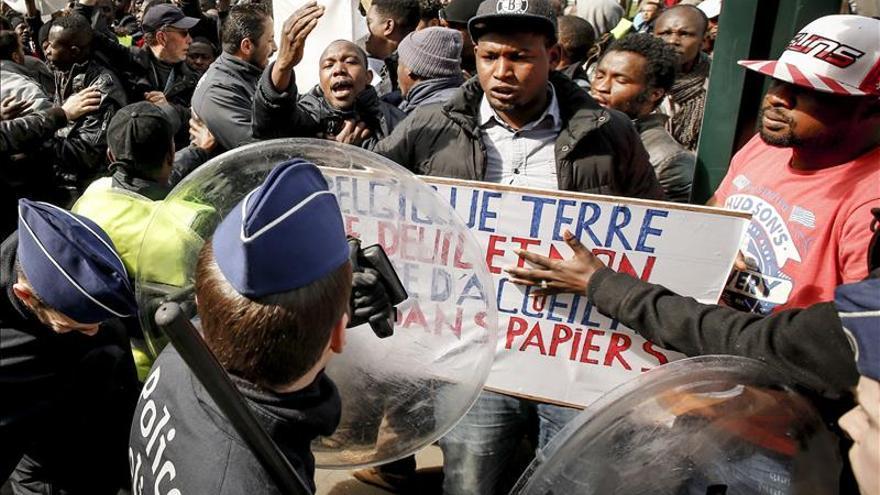 La CE propondrá obligar a los 28 a repartirse los demandantes de asilo en la UE
