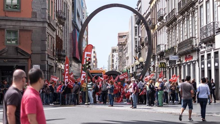 Concentración del 1 de mayo en Las Palmas de Gran Canaria (EFE/Ángel Medina G.)