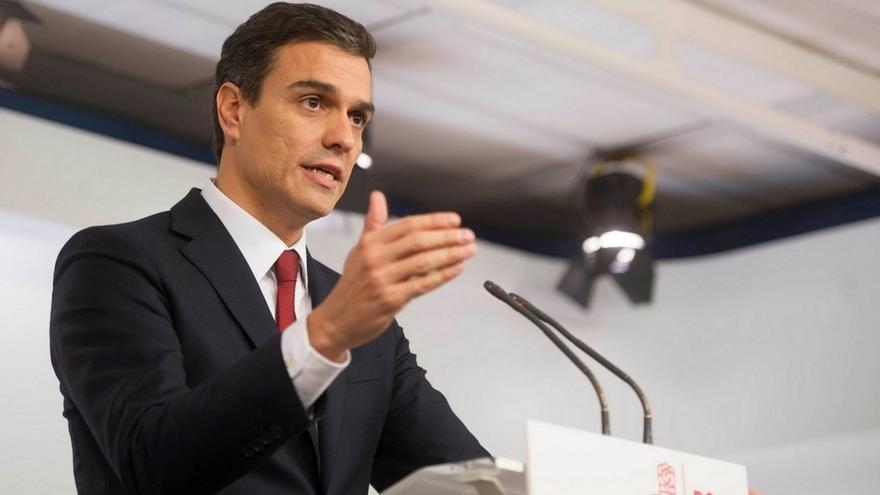Acuerdo entre Pedro Sánchez y sus 'barones' para intentar formar gobierno con Podemos si abandona el referéndum