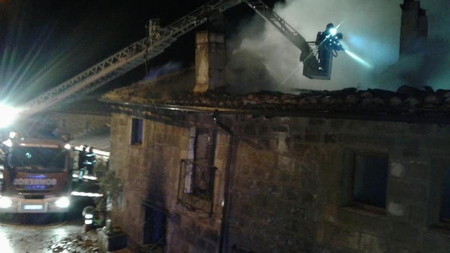Sofocado un incendio en una casa de Valderredible y en un restaurante de Santoña