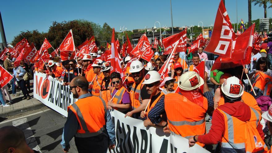 Mineros de la mina Aguablanca en la manifestación del 1º de Mayo en Mérida / JCD
