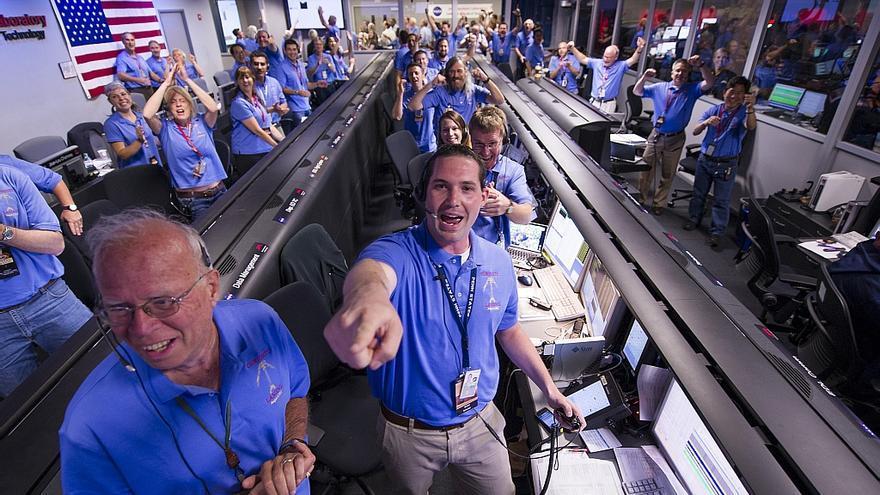 El equipo del Mars Science Laboratory festeja el aterrizaje de 'Curiosity' en Marte. Foto: NASA.