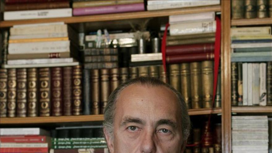"""Luis Alberto de Cuenca, una figura poliédrica en un monográfico de """"Litoral"""""""