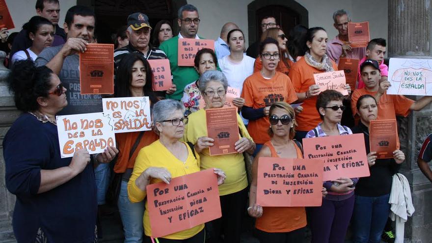 La concentración se llevó a cabo en el atrio del Ayuntamiento de Santa Cruz de La Palma.