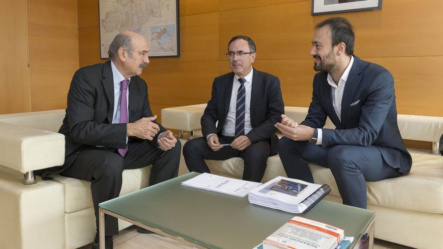 Obras Públicas ejecutará en esta legislatura el vial entre Viveda y Duález