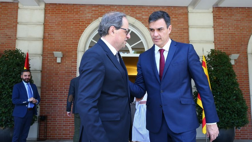 """Pedro Sánchez subraya que """"la violencia no es el camino"""" en Cataluña e insta a Torra a """"cumplir sus responsabilidades"""""""