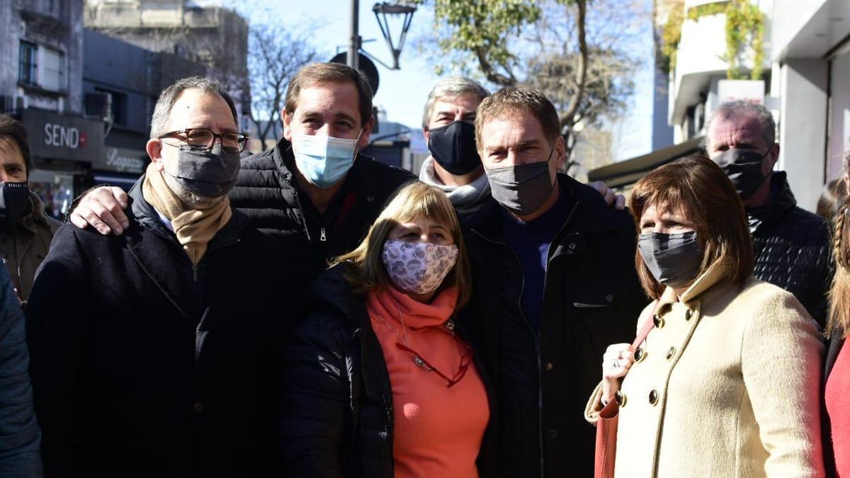 Santilli, Bullrich y el intendente Julio Garro, de recorrida por La Plata