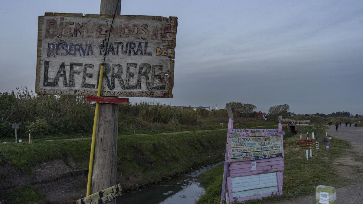 """""""El último pulmón verde"""" de Gregorio de Laferrere tiene 83 hectáreas y está ubicado en el kilómetro 25 de la Ruta 3."""