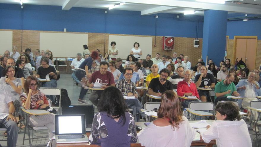 Asamblea ciudadana en la que se ha aprobado el manifiesto fundacional de Ganemos Córdoba.
