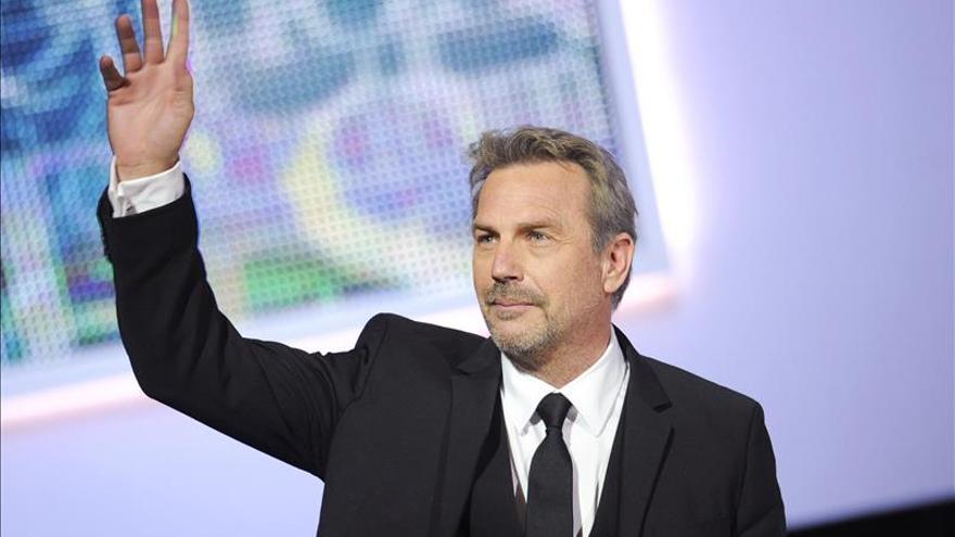 """Kevin Costner dice que no sabe si es """"relevante"""" ahora en Hollywood"""
