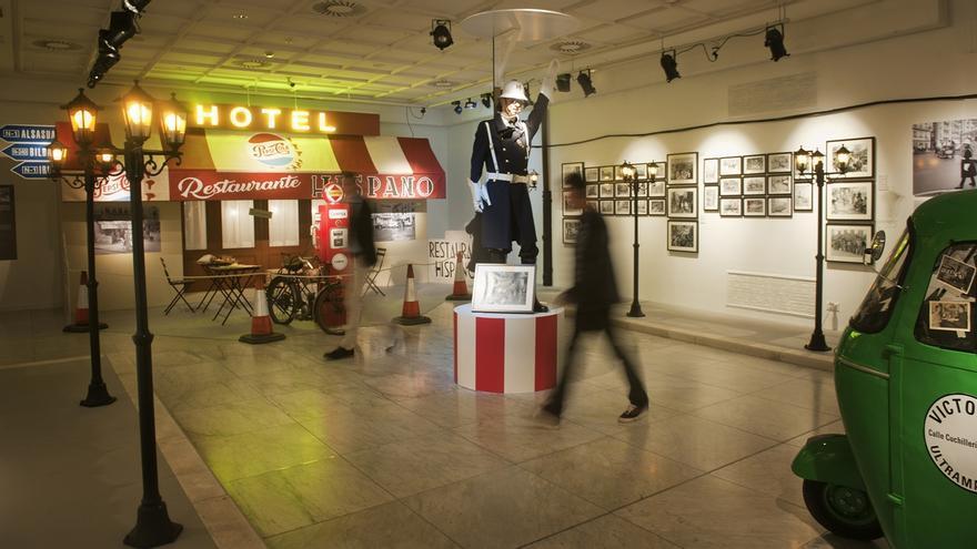 La Sala Fundación Vital acoge una exposición con 650 fotografías que repasan más de 125 años de la historia de Vitoria