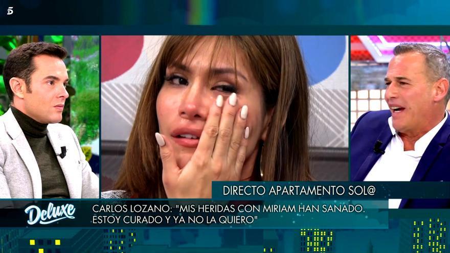 Miriam Saavedra se coló en 'Deluxe' desde 'Sola' para hablar con Carlos Lozano