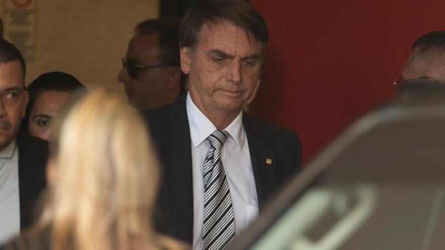 """Los médicos le recomiendan """"reposo"""" a Bolsonaro tras una """"extensa agenda"""""""