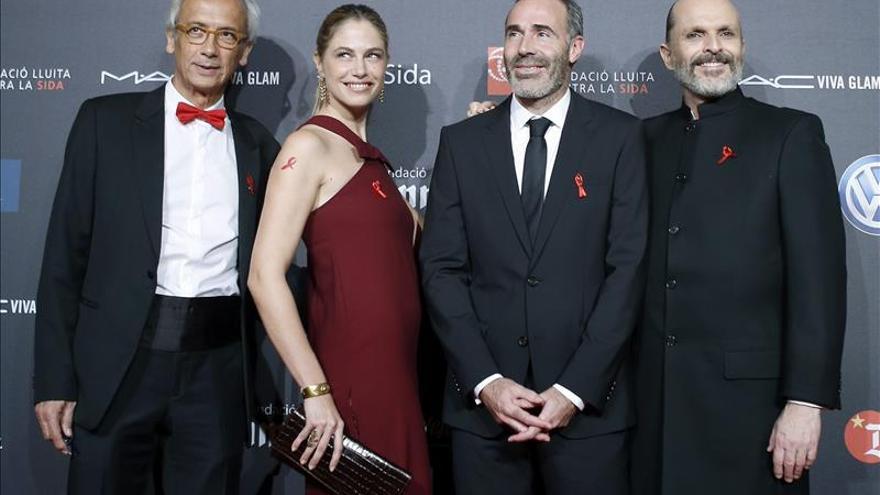 La Gala del Sida reúne en Barcelona a celebridades en torno a Miguel Bosé