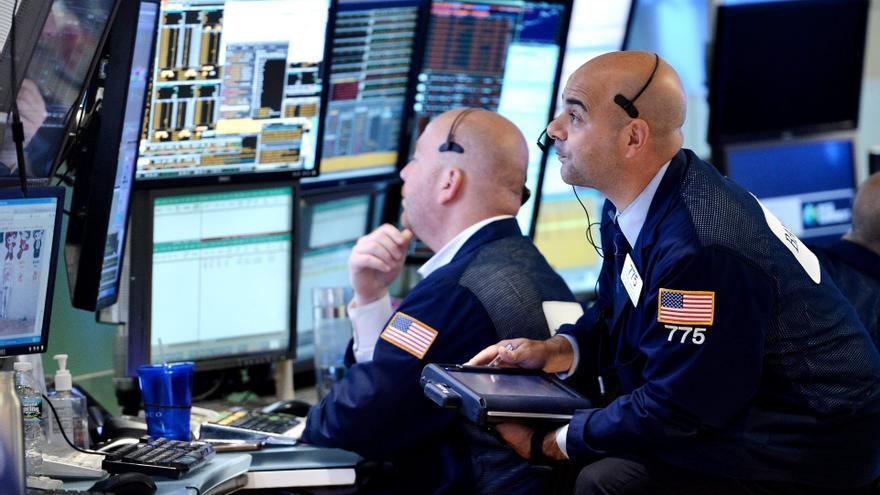 Wall Street baja en la apertura y el Dow Jones cae un 0,48 por ciento