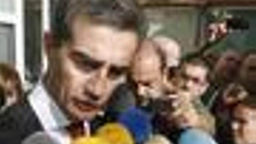 """De Cospedal: """"Costa ha dejado de ser secretario general del PP valenciano"""""""