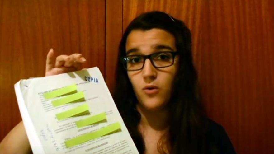 Captura del vídeo denuncia de Yasmina Resurrección.
