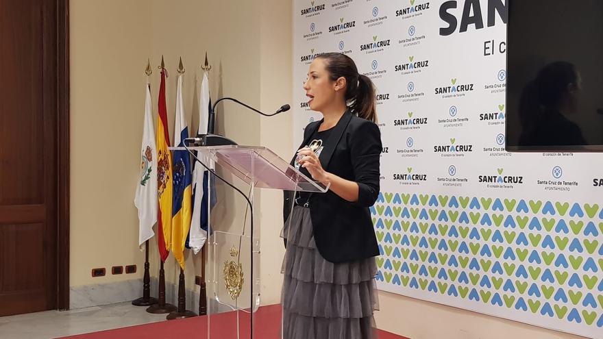 Patricia Hernández, durante la rueda de prensa ofrecida con motivo de la reclamación de la deuda de los condenados en el caso Las Teresitas