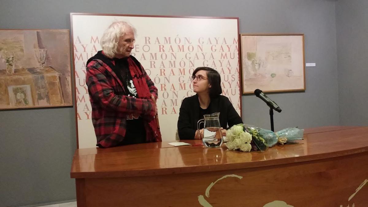 Los poetas Soren Peñalver y Beatriz Miralles en el museo Ramón Gaya