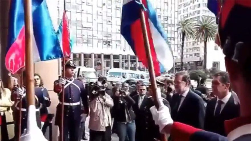 Rajoy abucheado durante su visita a Uruguay