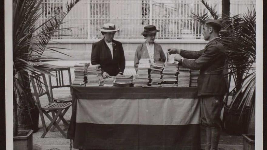 Venta de libros en Zaragoza, 1938.