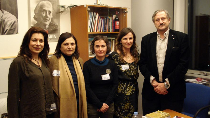 Representantes de la AVM3J con el eurodiputado Willy Meyer