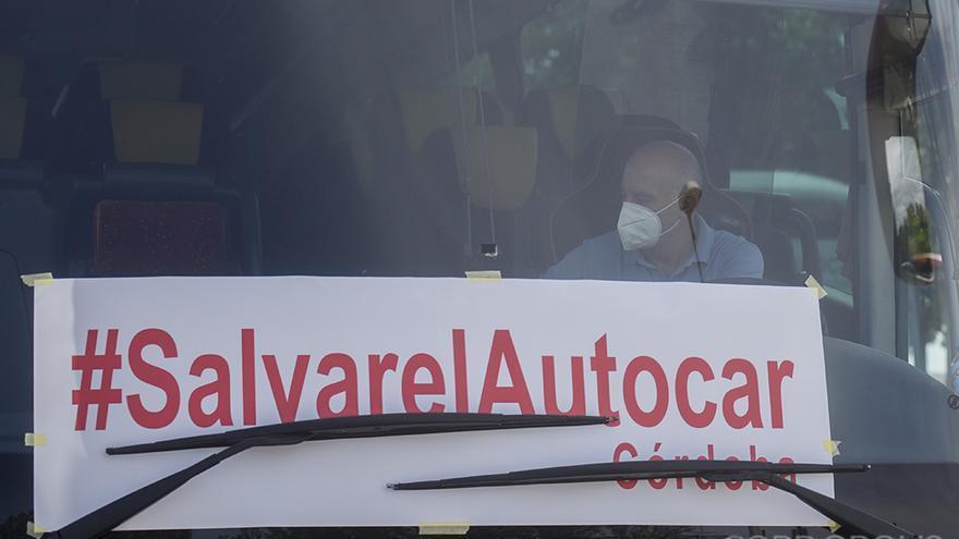 Manifestación de protesta de empresas de autobuses | TONI BLANCO