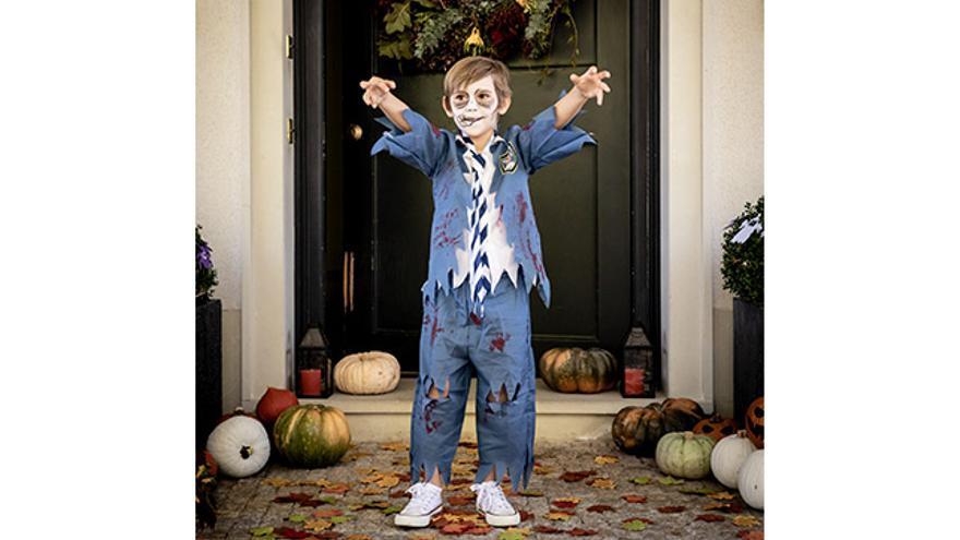 Disfraz de estudiante zombie para niño.