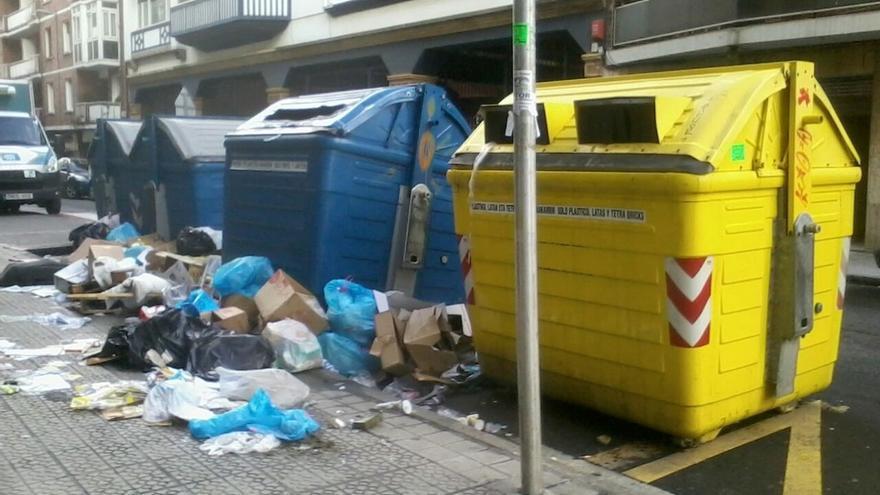 Getxo pide a los vecinos depositar la basura los días fijados para su recogida con motivo de la huelga indefinida