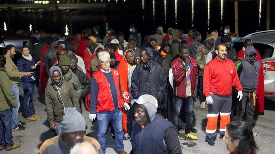 Trasladados al hospital tres de los 113 inmigrantes atendidos en Málaga
