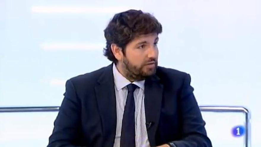 Fernando López Miras durante la entrevista en TVE