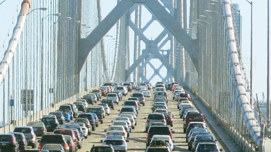 Tráfico en el puente de San Francisco. 2013.