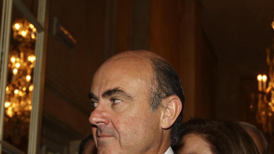 De Guindos afirma que España no necesita ningún rescate, sino disipar las dudas sobre el futuro del euro