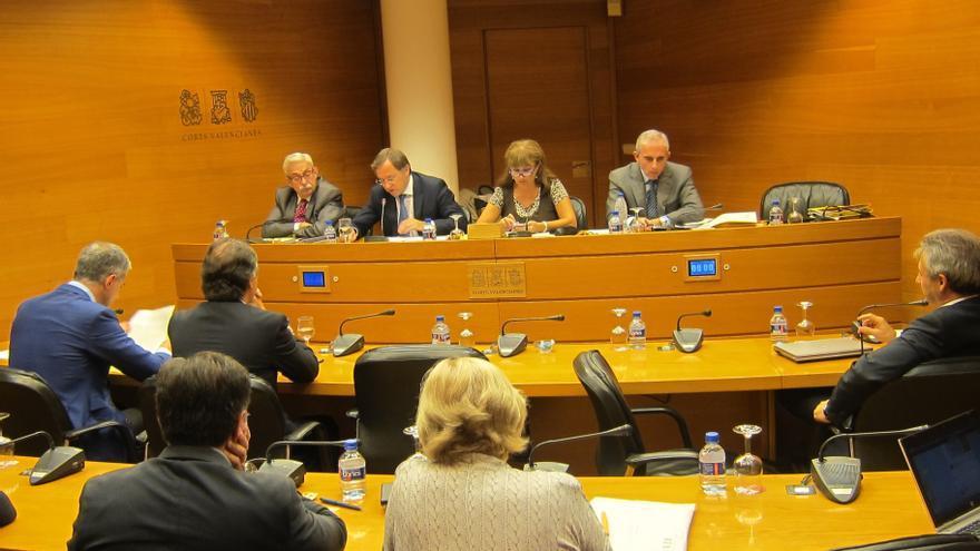 Compromís y EUPV vuelven a ausentarse de la Comisión de Economía de las Corts en protesta por el cierre